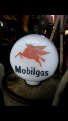 Genuine Mobilgas Glass Petrol Pump Globe