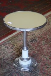 Round Stand Tabe