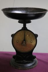 Vintage Salter Family Scale
