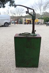 Wakefield Castrol Hi Boy Oil Dispenser With Original Wakefield Embossed Pump